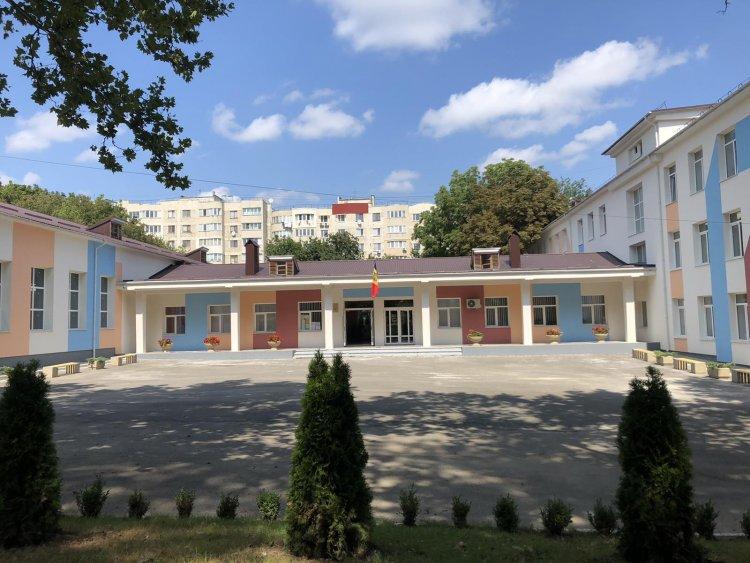 """Astăzi, 1 septembrie și-a redeschis după modernizare Liceul Teoretic  cu profil de arte """"Elena Alistar"""""""